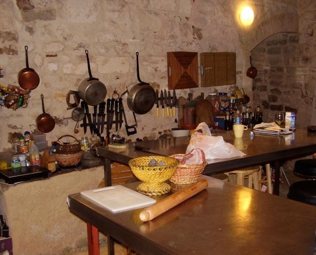 arles-kitchen