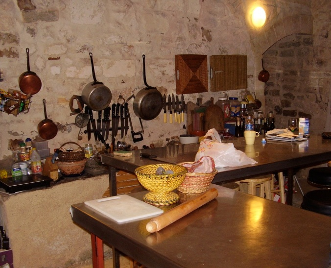 arles-kitchen