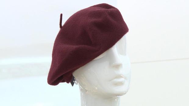 beret-on-mannequin-head-620