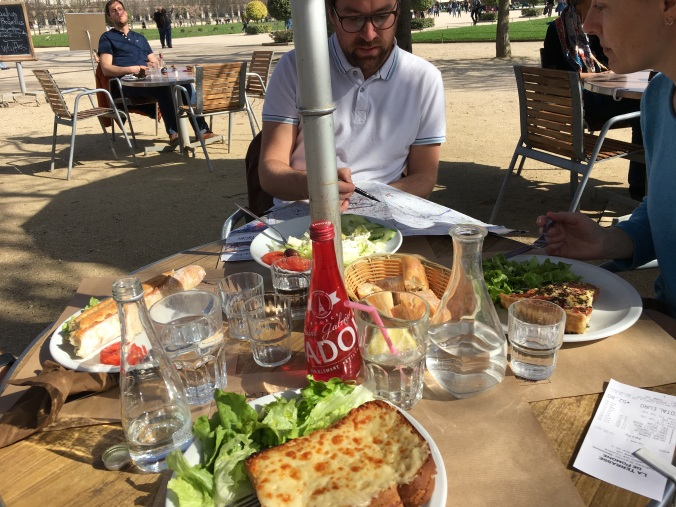 tuileries lunch