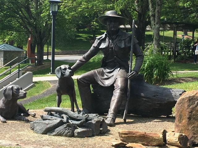 daniel statue